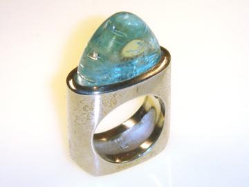 Schmuck als Ring mit Aquamarin